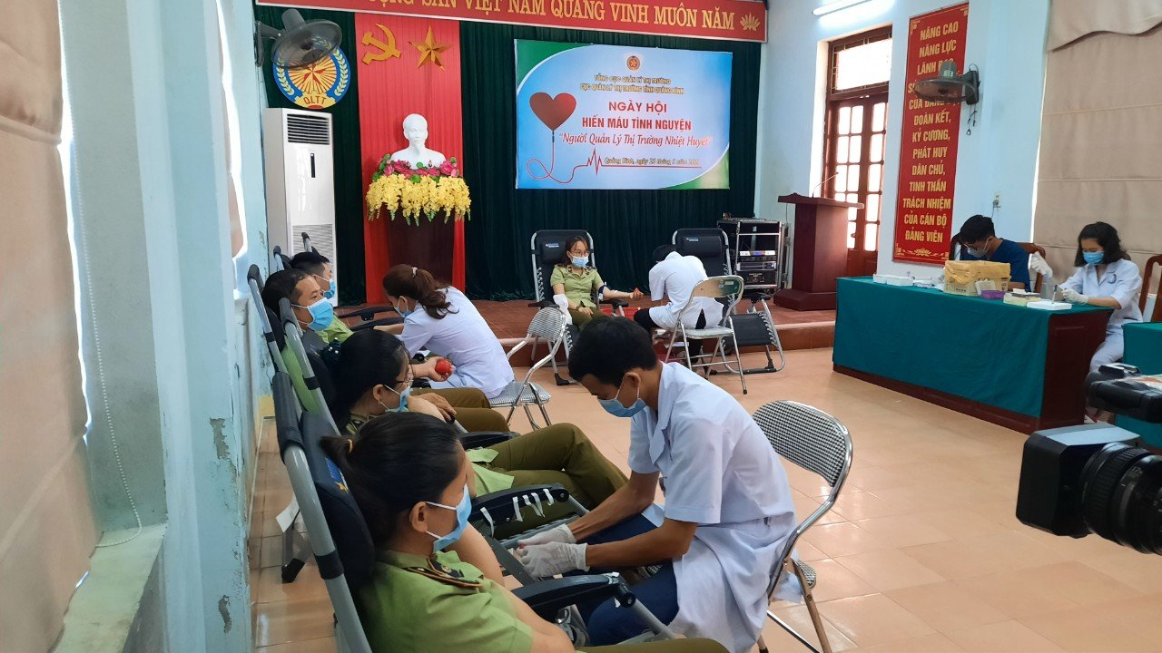 Cục QLTT tỉnh Quảng Bình tổ chức ngày hội hiến máu tình nguyện năm 2021